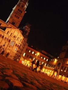 ModenaPiazzaNight