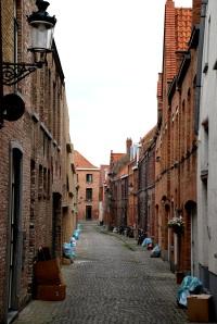 BruggesTrashStreet