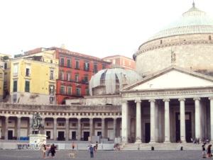 Napoli Piazza PLeb